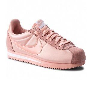NIKE Classic Cortez Nylon 749864 606 Sneakers